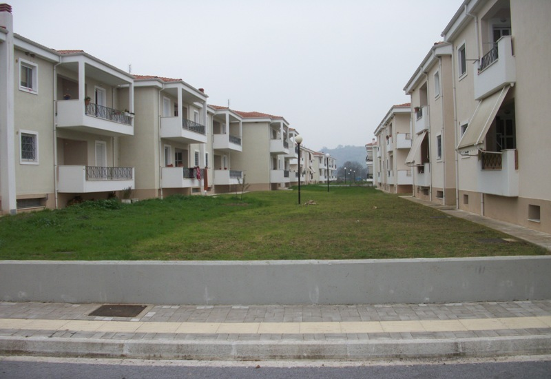 Ανέγερση 184 κατοικιών, αίθ. συγκεντρώσεων, καταστημάτων και έργων υποδομής και διαμόρφωσης περιβάλλοντος χώρου στο Νομό Τρικάλων